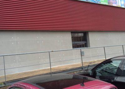Décoration de façade extérieure en feuille de béton avec effet de trous de banche