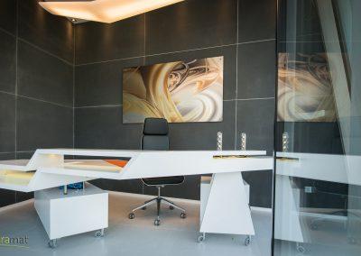 Décoration murale d'un bureau revêtu de feuille de béton