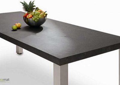Plateau de table réalisé avec de la feuille de pierre naturelle