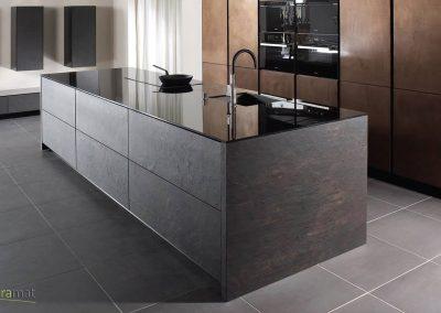 Feuille de pierre Designflex habillage d'un ilot central de cuisine
