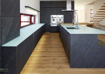 Feuille de pierre Designflex cas d'application d'un habillage de meubles de cuisine
