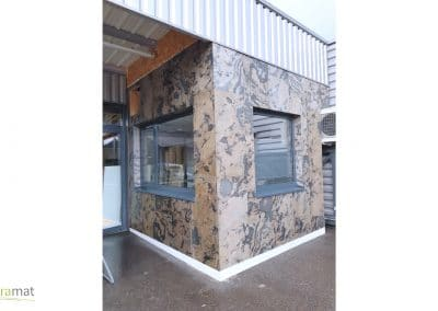 Façade bureau sur panneau bois en feuille de pierre Naturamat Autumn Rustic