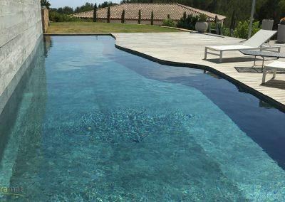 Bassin de piscine en feuille de pierre vue gauche