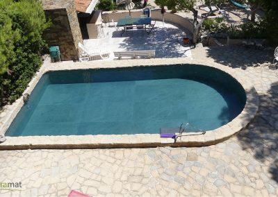 Réalisation bassin de piscine en feuille de pierre vue panoramique