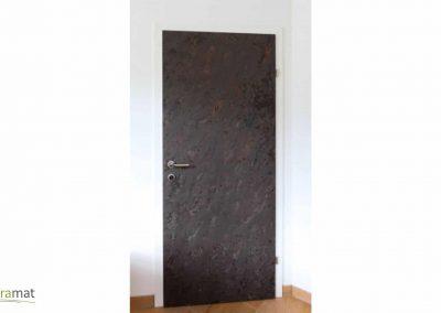 Réalisation d'une porte en feuille de pierre flexible