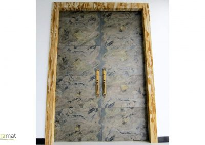 Porte à double battant en feuille de pierre format 60x60 cm