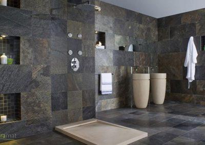 Réalisation salle de bain et parois de douche en feuille de pierre