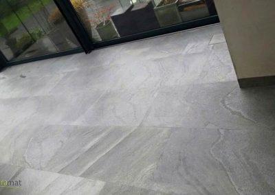 Feuille de pierre Designflex cas d'application sur un sol de veranda