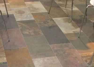 Feuille de pierre Designflex cas d'application sur un sol de caféteria
