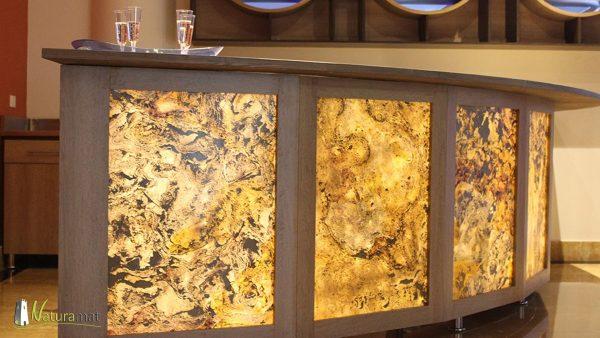 Réalisation d'un rétroéclairage d'un bar avec de la feuille de pierre naturelle translucide