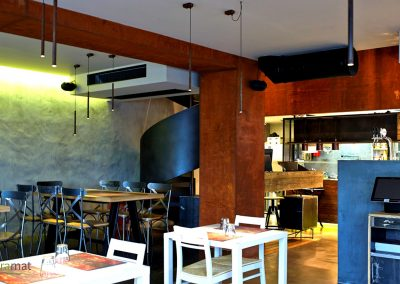 Agencement restaurant Feuille de rouille Naturamat Oxyflex Strié