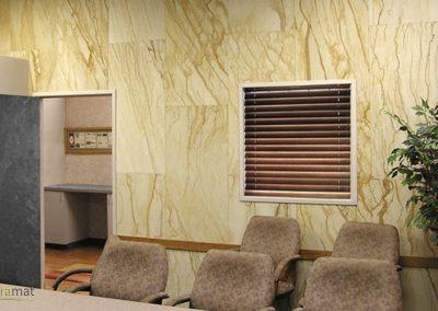 Décoration murale salle de réunion en format dalle avec de la feuille de sable