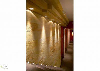 Décoration murale couloir en feuille de sable