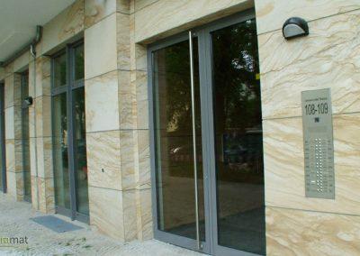 Parement extérieur sur façade de feuille de sable